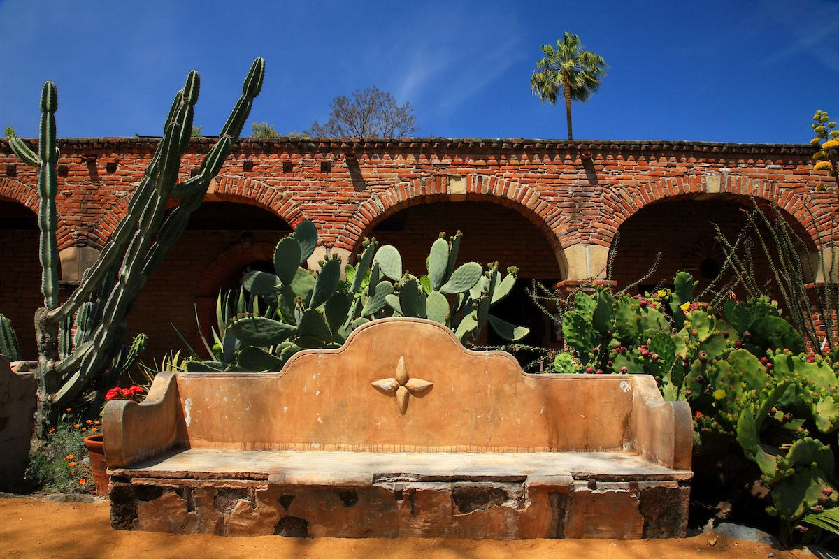 The Mission San Juan Capistrano SJT-4255 (1200px)